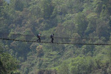 Trektocht Lamjung Himal Basiskamp Nepal | Snow Leopard - husslage 2009 (263) brug
