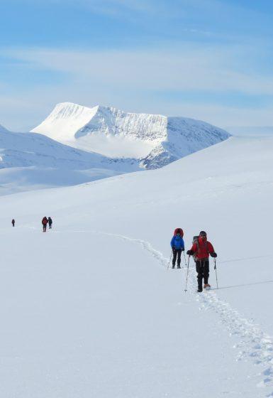 Sneeuwschoenwandelen reis Treriksrøysa Noorwegen | Snow Leopard (62)