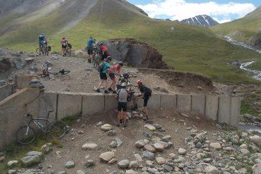 Kirgizië - Issy Kul Hemelse Bergen - fietsreis 2019 (15)   Snow Leopard